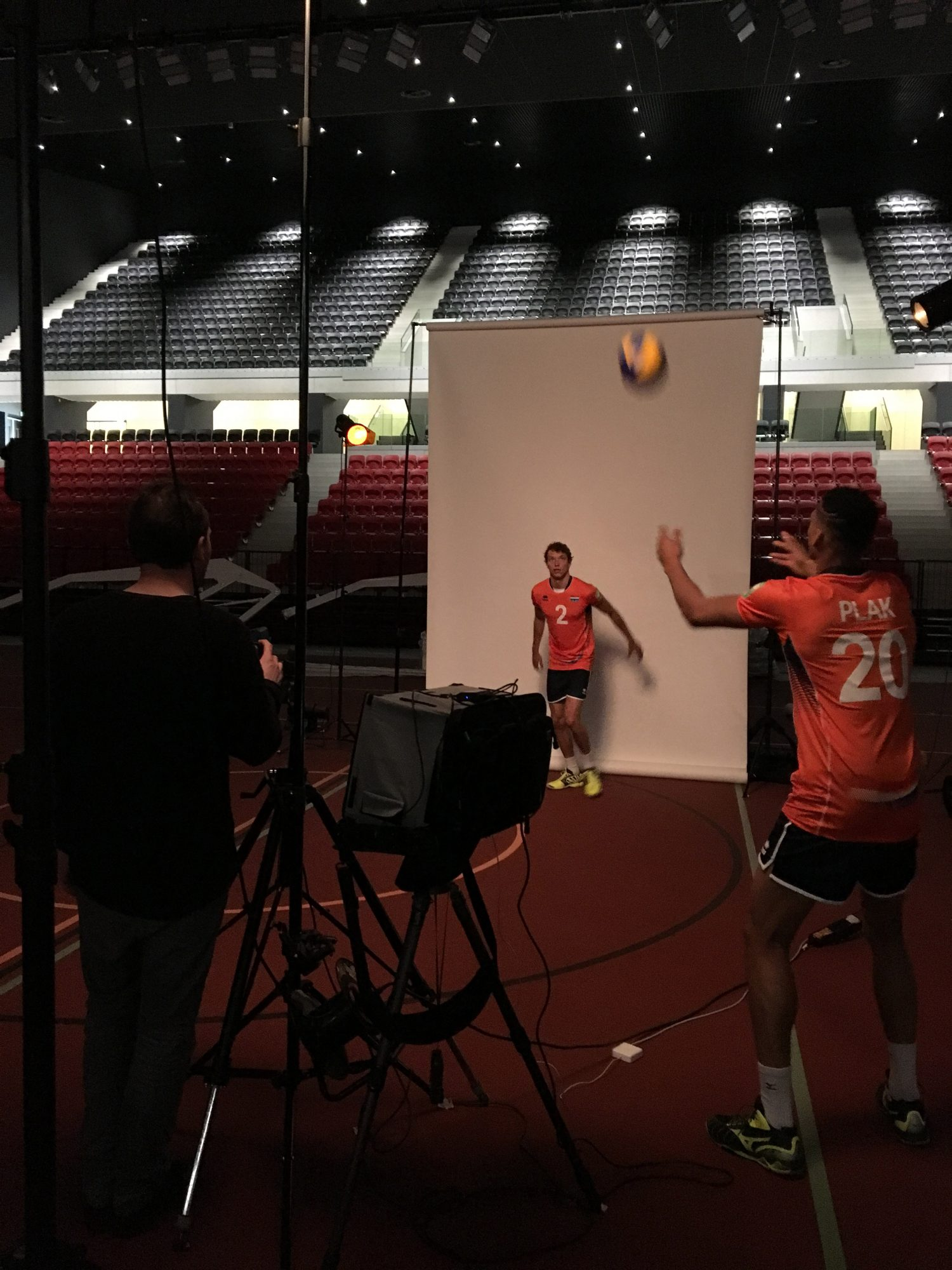 Op de set van de World Tour and World League Volleyball shoot
